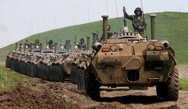 Russische Panzerkolonne, angeblich heute auf  der Krim. Foto: srbin.info
