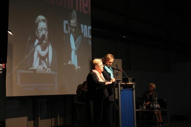Die Duma-Abgeordnete Jelena Misulina (links) auf der COMPACT-Familienkonferenz am 23.11.2013