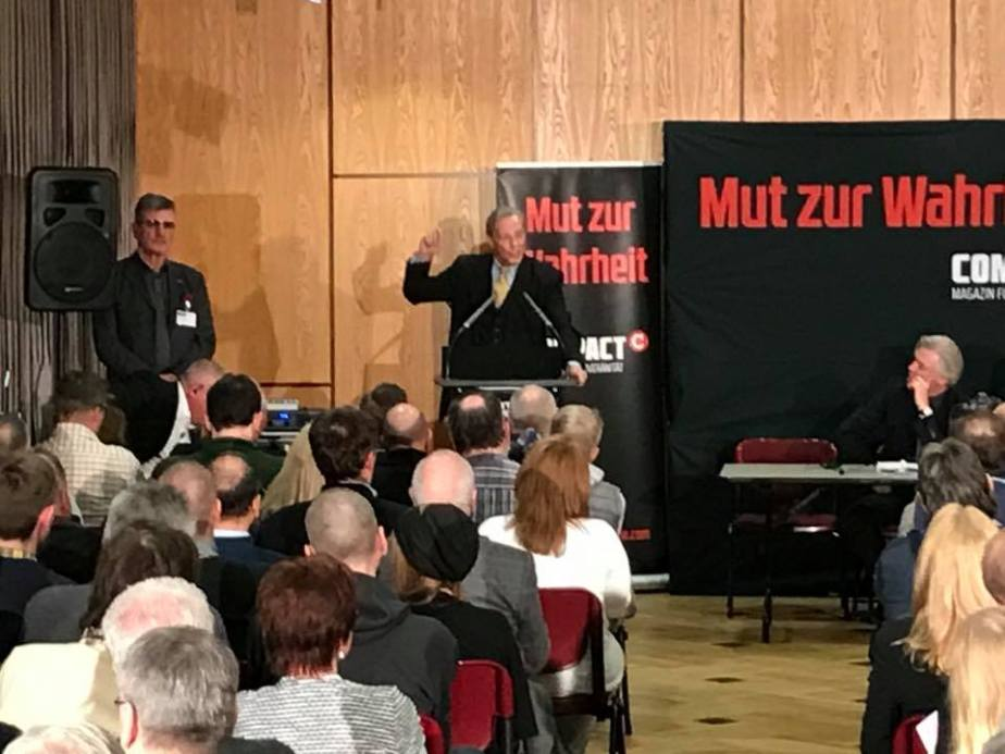 Armin-Paul Hampel riss das Publikum mit. Foto: AfD Northeim